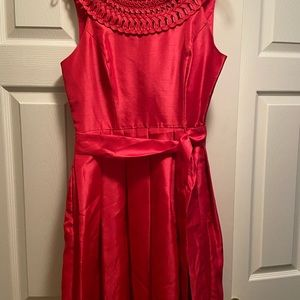 Fucsia pleated skirt dress with pockets